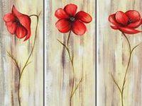 Amo pintura em telas, seja a óleo e alguma montagem criativa.