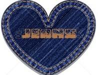 """O jeans começou a ser fabricado em 1872 em Nimes, na França.Os norte-americanos, que o apelidaram de """"jeans"""". Levi Strauss foi quem criou o jeans nos Estados Unidos no ano de 1853 para atender garimpeiros da Califórnia."""