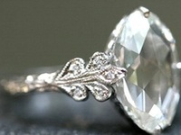 Alternative, cute and dazzling engagement rings that'll have you saying 'I do' in no time ;)