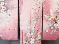 """Kimono, yukata, obi, fabric, kanzashi, etc.  For geisha and maiko kimonos, see my board """"Geisha and Maiko"""""""