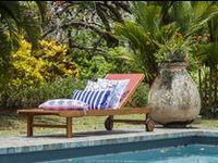 Tropical chic ! / Nos coussins shootés en Martinique par N.O.Photos www.artsdelamaison.com