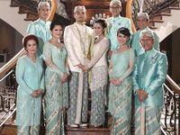 Traditional Outfits Fashion & Designs Inspiration / From classics to modern to fusion. Kebaya, baju kurung; etc.