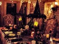 Tablescapes and decorating ideas for an eerily elegant dinner party for friends
