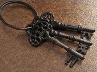 Love the shape of antique keys!!  And what goes better with them that unique hearts!