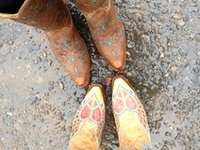 Every Chic needs lots and lots of boots. Wish I had every pair I pin. All of my cowgirl boots come from Thrift Shops.