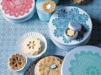 78 best cake tins images on pinterest cake tins tin. Black Bedroom Furniture Sets. Home Design Ideas