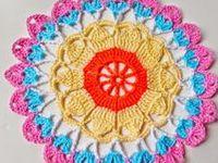 Crochet dollies / toalhinhas
