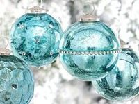 HOLIDAYS / Ornaments