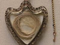 Mourning jewelry/Victorian