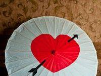 Fans, umbrellas, & parasols