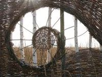 creative ways to use willow & twigs for garden art projects, garden fences & trellises:  100 % natural!
