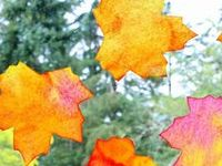 Autumn crafts for kids :: fall sensory play :: autumn activities for kids and families