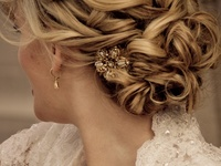 Beautiful hairstyles for your wedding day