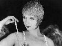 Ziegfeld l Follies l Girl