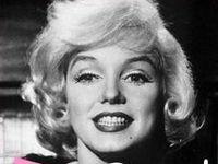 las fotos que tienen M.M,están sacadas de las páginas de facebook:Marilyn Monroe y REAL Marilyn Monroe Quotes