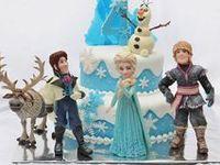 Torte / Torte realizzate con decorazioni in pasta di zucchero per ogni occasione: festività, compleanni e ricorrenze perfette per bambini e adulti.
