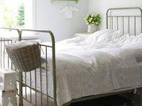1000+ images about Brocante slaapkamer / Vintage bedroom on Pinterest ...