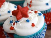 4th of July crafts, food, decorative items and ideas.
