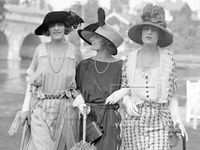 """original photographs between the years 1920-1929, showcasing how fashion and style really looked like and what people in reality wore and how, from film stars to ordinary people - please note that this board is for female fashion, the photographs portraying men are on my other board titled """"1920's fashion: men""""."""