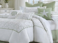 These are the bedroom things I love from bedding & curtains to rugs & throw pillows!