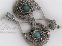 B - Wire Earrings N Beads 4