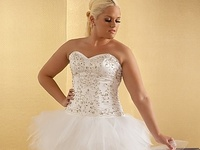 Some of the most beautiful Plus Size Wedding Looks