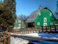 I absolutely LOVE any and all barns everywhere!