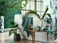 Tropical bathrooms / Whether you're looking to remodel your bathroom with this latest bathroom trend or you're looking for tropical bathroom ideas to add to your current bathroom…