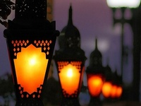 Exhale to the enchanting atmosphere & ambiance of lanterns and warm glowing lights.