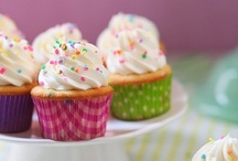 Cupcakes and other individual cakes / by Donna Zuckerberg