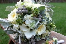 WEDDING FLOWERS / by Heather Davis