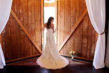 Barn and Rustic Weddings / Simple Country Elegance