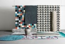 Fantastic designer rugs / Our rugs are all handmade pieces of art and you can choose from many different shapes, sizes and designs. Enjoy playful or elegant patterns and many different textures like knitted wool and cowhide