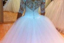 Wedding Dresses, Attire & Looks / by Leanne Northcutt