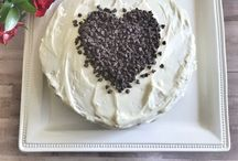 Cakes / Easy cake decorating, favorite cake recipes, homemade icing, Simple Cakes