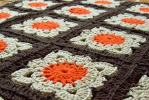 Crochet - Grannies & Squares / by Jana Baird