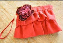 Purse & Bag Sewing Patterns / Sewing and DIY patterns and projects for purses, bags, totes, clutches, crossbody and other accessories.