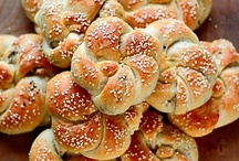 Delicious Middle East / Bringing together the best traditional and modern Middle Eastern dishes on Pinterest.