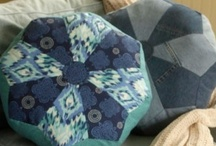 Home Decor Handmade Pillows - Sewing Patterns / Sewing patterns and DIY craft projects for sewing, designing and creating handmade home decor pillows.