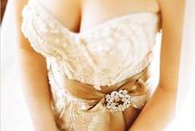 A Glamorous Gold Wedding