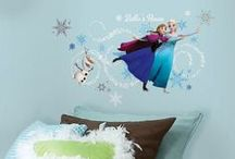 Frozen Theme Wall Decorations / Struggling to figure out what wallpaper to use for your daughters room? Let it go and buy a wall sticker instead!