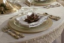 ~ TABLESCAPES / CENTERPIECES & TIPS FOR THAT PERFECT DINNER PARTY ~ / Because everyone likes a beautiful table setting..to eat a fabulous meal..