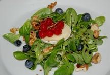 Ensaladas favoritas / Recopilación de mis ensaladas favoritas, algunas recetas propias y otras prestadas, pero todas deliciosas.  Visita mi blog  www.misensaladasfavoritas.blogspot.com.  / by Lourdes Gopar