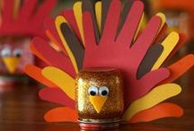 Thanksgiving Crafts for Kids / Fun and festive Thanksgiving crafts for kids to make this fall! Find Thanksgiving craft ideas including turkey crafts, pilgrim crafts, Native American crafts, educational crafts about the Mayflower, crafts for Thanksgiving table decorations kids can make, and more.
