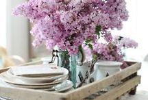 Creative Centerpieces / by Kim Cammack Hesson