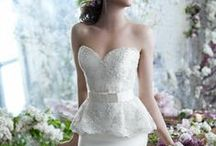 Wedding Dress Designers / A collection of stunning Wedding Dresses and Bridal Gowns from top dress designers.