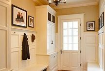 Mud Room and Entryway / Mud room and entryway ideas for organization and functionality!