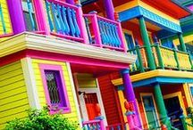 Color blast / We should all live and breath in all the colors of the rainbow. Colorful homes, rainbow houses and more color crazy inspiration.