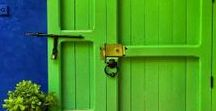 Front doors / Front doors that inspire me to change my plain white door to something with a colorful pop.