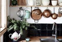 Decoreren / Je keuken een compleet ander uiterlijk geven zónder een grote verbouwing, dat zit 'm in de accessoires... Met de kleinste aanpassingen een groot resultaat boeken!